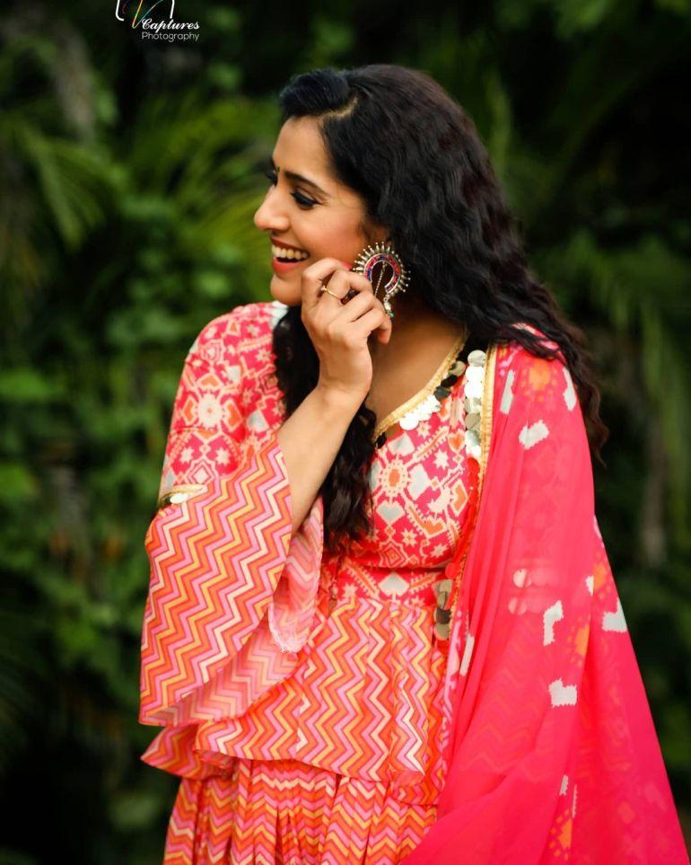Rashmi Gautam Wiki, Age, Biography, Movies, and Gorgeous Photos 105