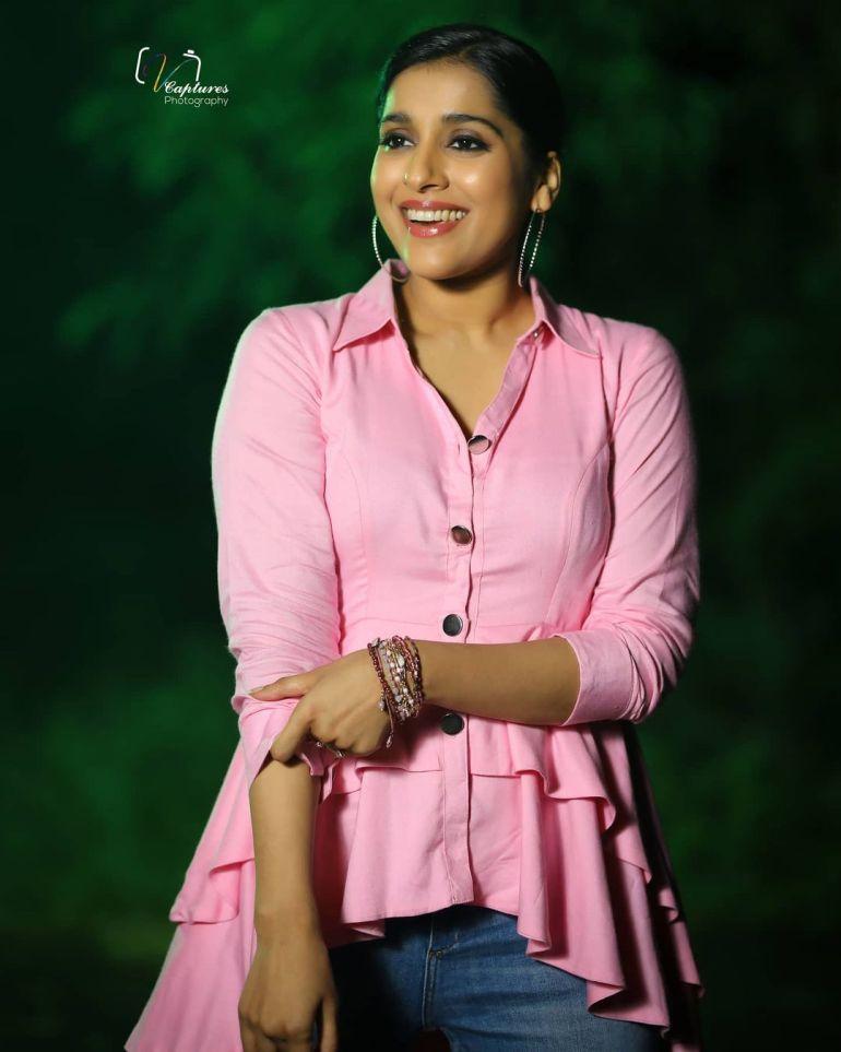 Rashmi Gautam Wiki, Age, Biography, Movies, and Gorgeous Photos 106