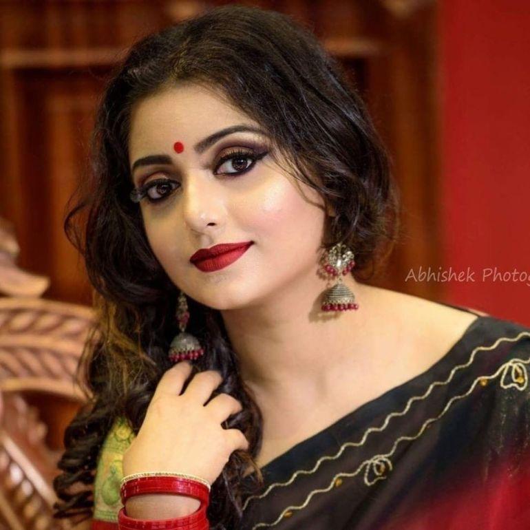 Rupsa Saha Chowdhury Wiki, Age, Biography, Movies, and Glamorous Photos 118