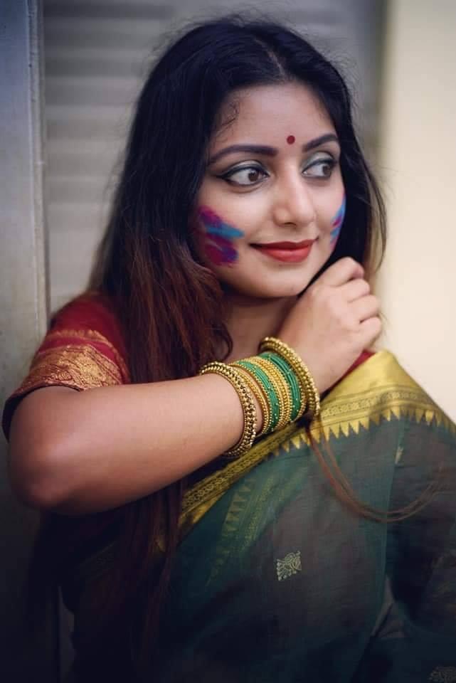 Rupsa Saha Chowdhury Wiki, Age, Biography, Movies, and Glamorous Photos 109