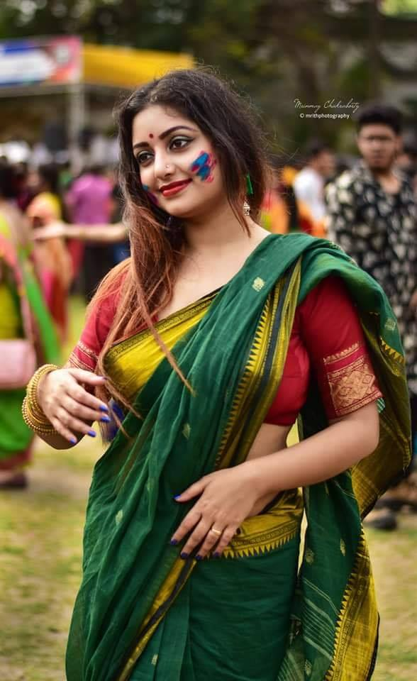 Rupsa Saha Chowdhury Wiki, Age, Biography, Movies, and Glamorous Photos 111
