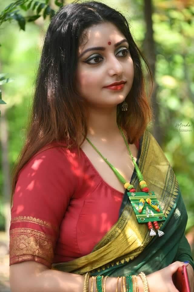 Rupsa Saha Chowdhury Wiki, Age, Biography, Movies, and Glamorous Photos 114