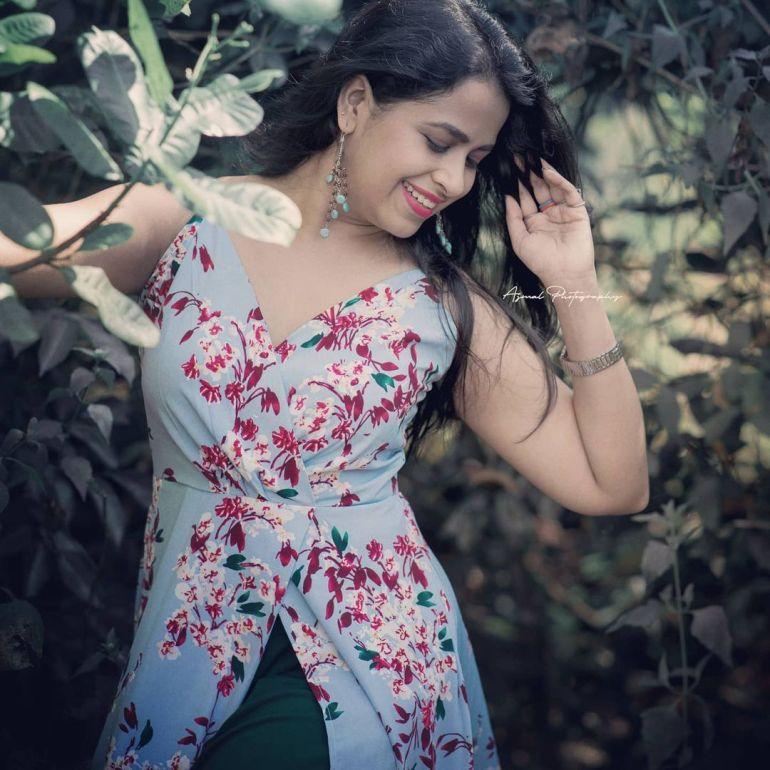 Sadhika Venugopal Wiki, Age, Biography, Movies, and Beautiful Photos 122