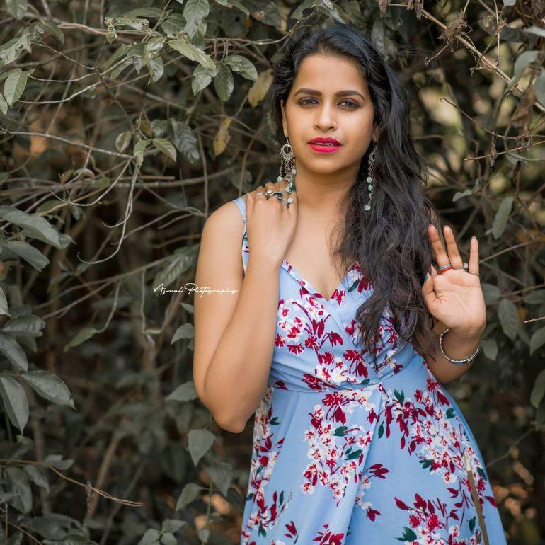 Sadhika Venugopal Wiki, Age, Biography, Movies, and Beautiful Photos 124