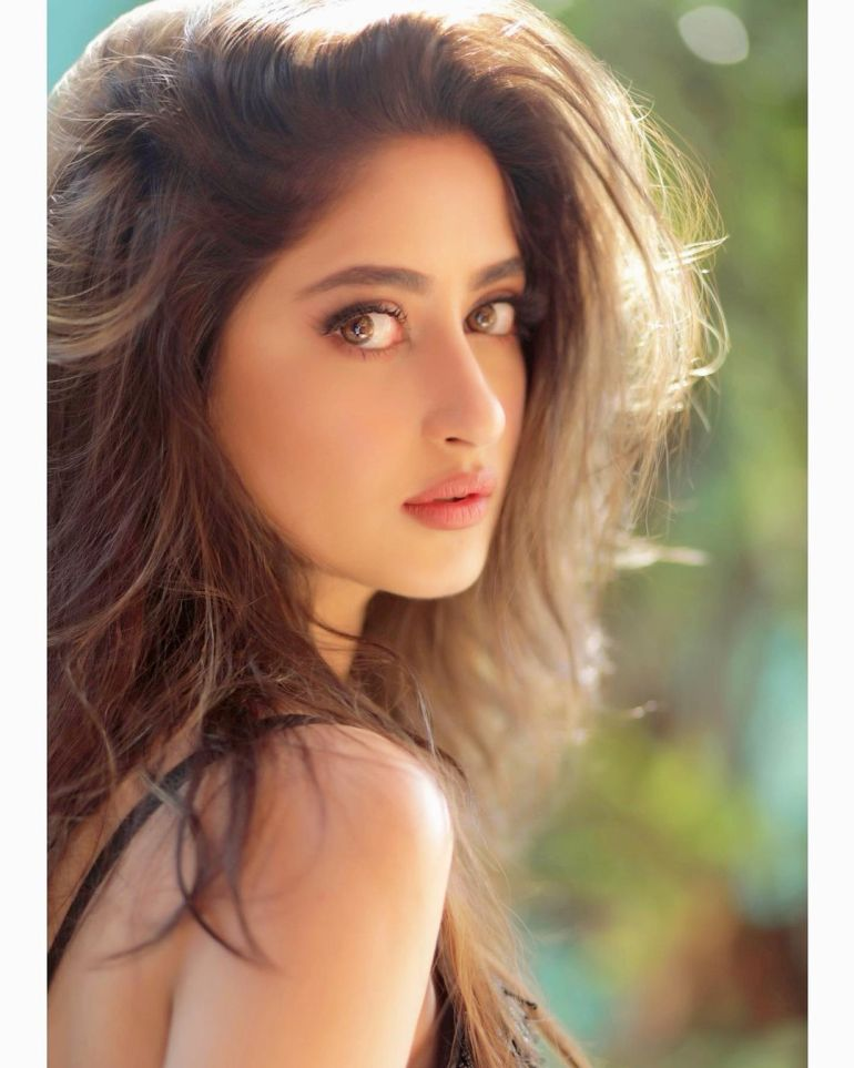 Sajal Aly Wiki, Age, Biography, Movies, and Beautiful Photos 119