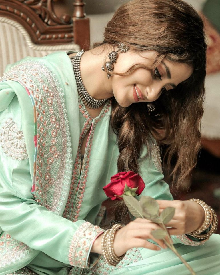 Sajal Aly Wiki, Age, Biography, Movies, and Beautiful Photos 114