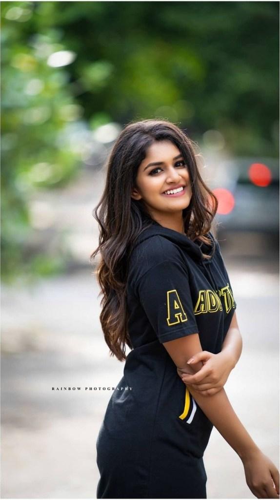 21+ Beautiful Photos of Sanjana Anand 122