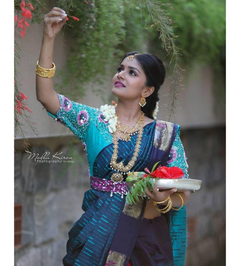 21+ Beautiful Photos of Sanjana Anand 115