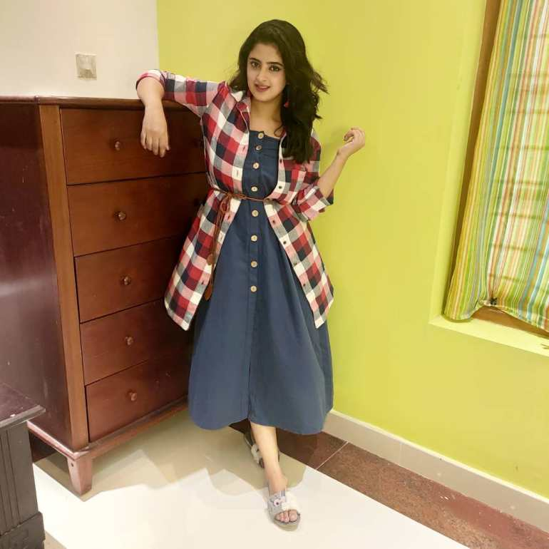 Shehna Noushad Wiki, Age, Biography, Movies, and Beautiful Photos 113