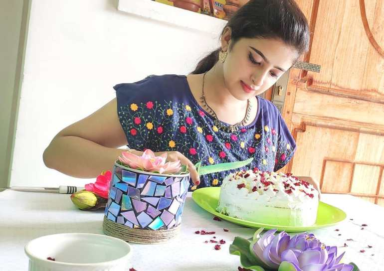 Shehna Noushad Wiki, Age, Biography, Movies, and Beautiful Photos 102