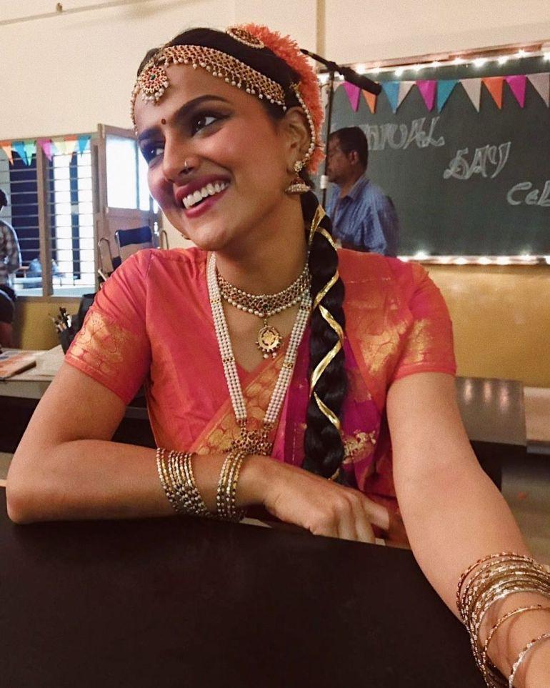 Shraddha Srinath Wiki, Age, Biography, Movies, and Beautiful Photos 123