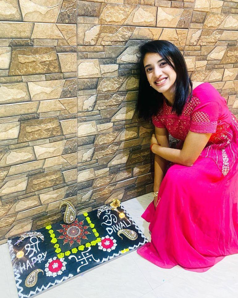 Smriti Mandhana Wiki, Age, Biography, Family, Career, and Beautiful Photos 121