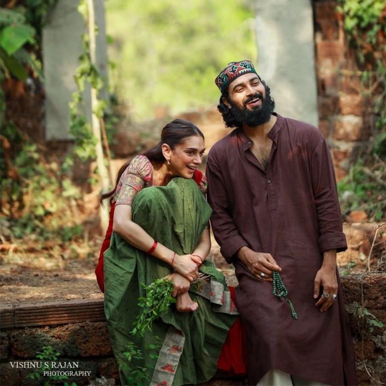Sufiyum Sujathayum Malayalam Movie Cast & Crew, Video Songs, Trailer, and Mp3 102