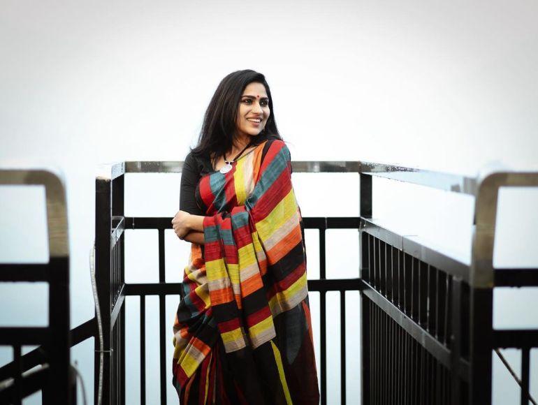 Swasika Vijay Wiki, Age, Biography, Movies, and Stunning Photos 108