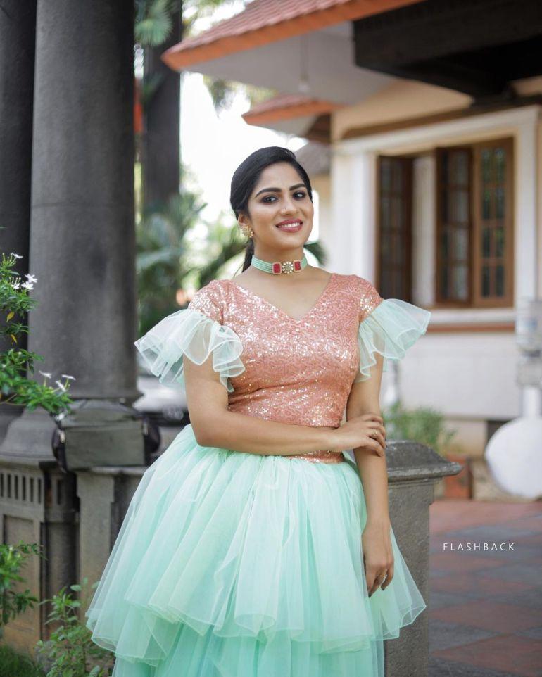 Swasika Vijay Wiki, Age, Biography, Movies, and Stunning Photos 114