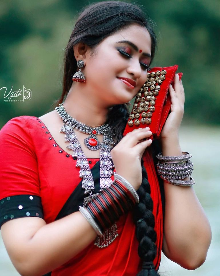 Swathy Nithyanand Bio, Wiki, Age, Husband, Serial, and Beautiful Photos 119