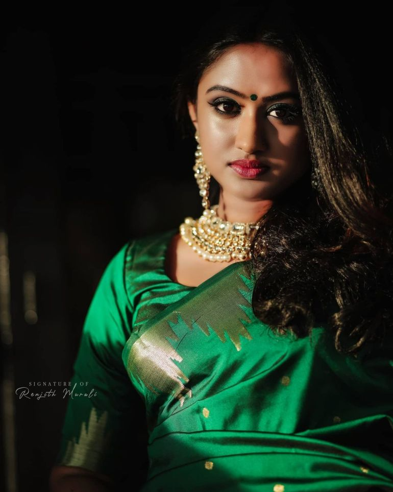 Swathy Nithyanand Bio, Wiki, Age, Husband, Serial, and Beautiful Photos 125