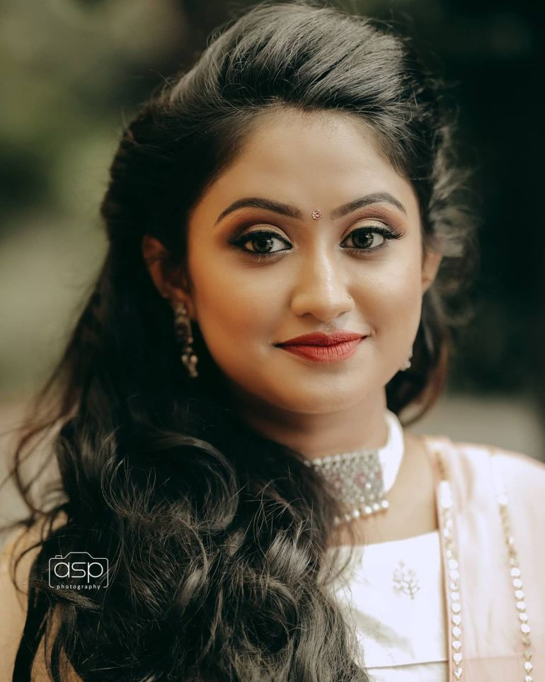Swathy Nithyanand Bio, Wiki, Age, Husband, Serial, and Beautiful Photos 108