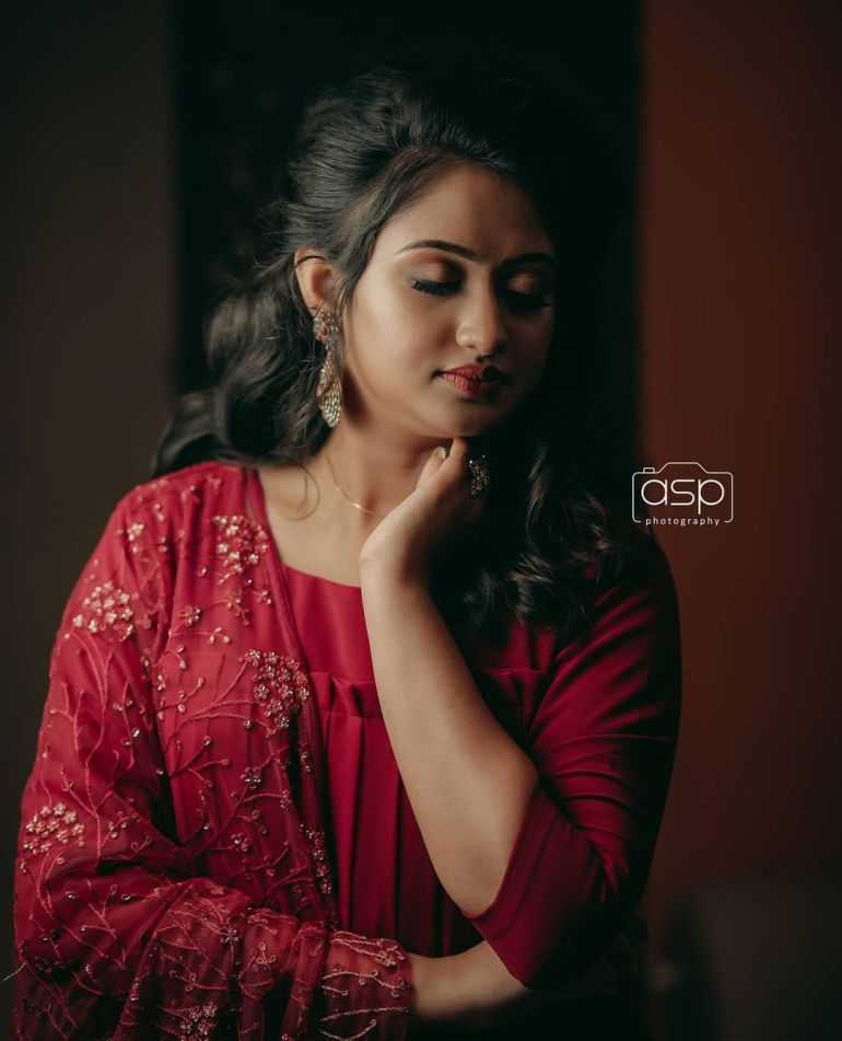 Swathy Nithyanand Bio, Wiki, Age, Husband, Serial, and Beautiful Photos 109