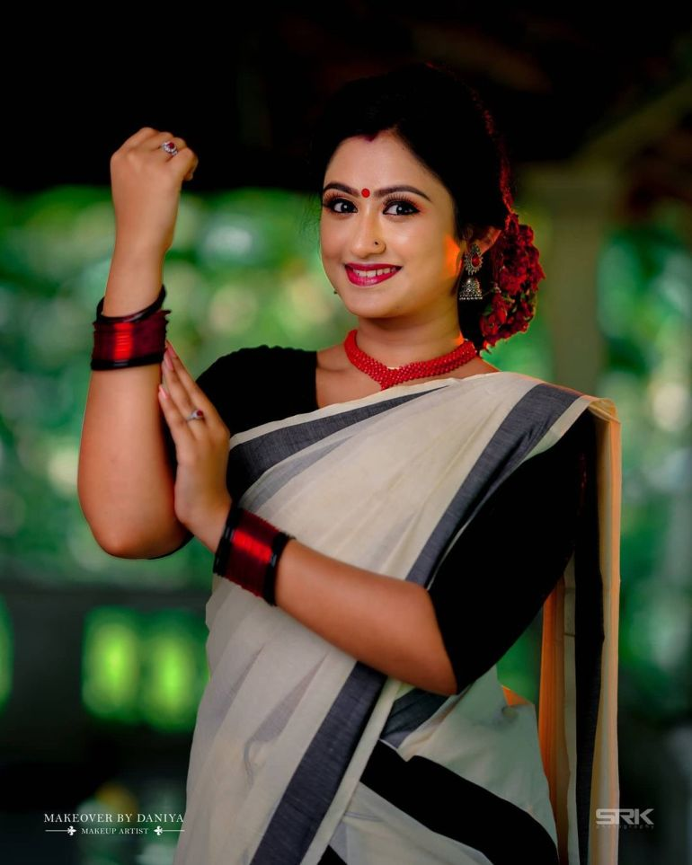 Swathy Nithyanand Bio, Wiki, Age, Husband, Serial, and Beautiful Photos 112