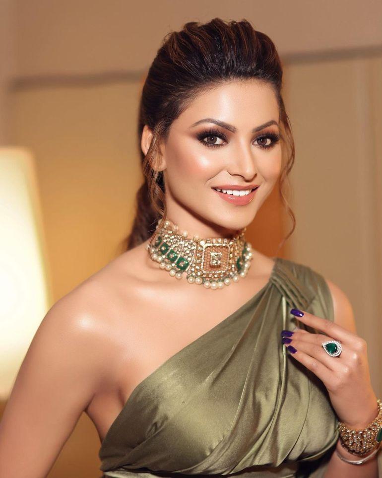 Urvashi Rautela Wiki, Age, Biography, Movies, and Glamorous Photos 102