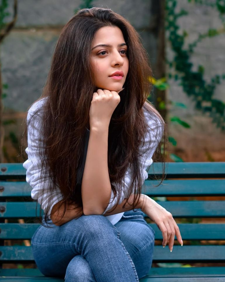 Vedhika Wiki, Age, Biography, Movies, and Gorgeous Photos 107