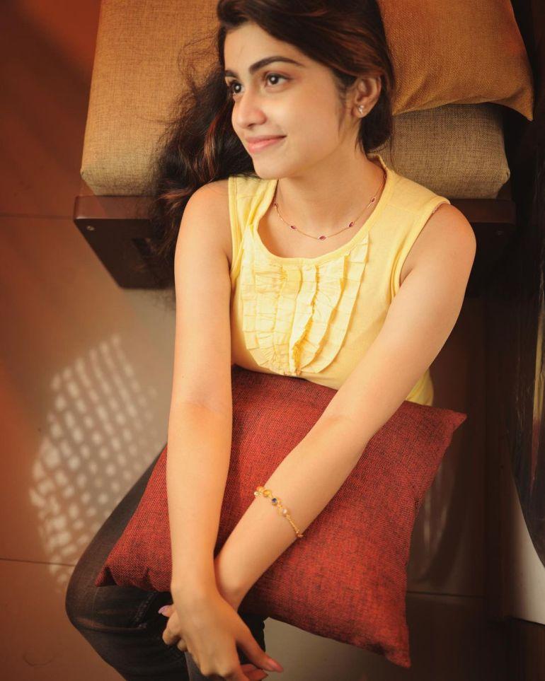 Manasa Radhakrishnan Wiki, Age, Biography, Movies, and Beautiful Photos 122
