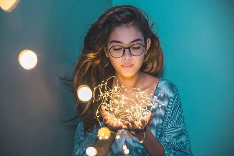 Priyal Mahajan Wiki, Age, Bio, Movies, and 21+ Beautiful Photos 100