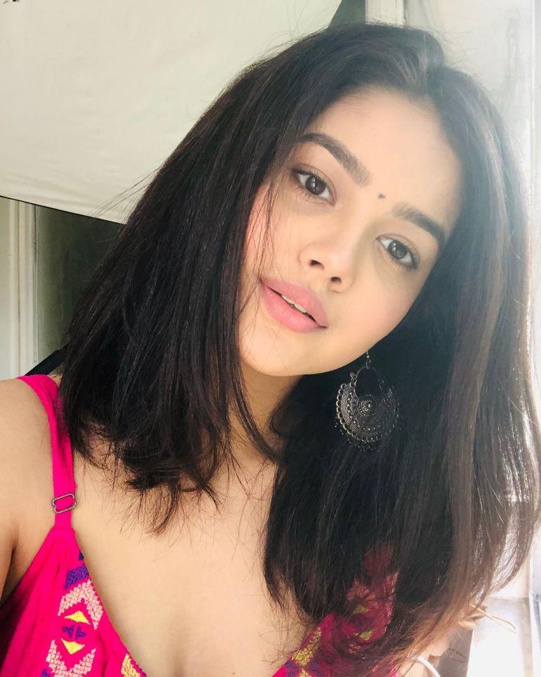 Priyal Mahajan Wiki, Age, Bio, Movies, and 21+ Beautiful Photos 119