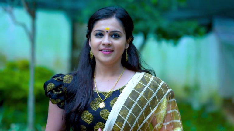 Raakkuyil serial actress Archana Nair Wiki, Age, Bio, Serials, Husband, Height, Photos 111