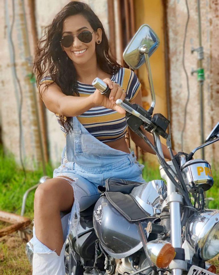 Sanjana Singh Wiki, Age, Biography, Movies, and Beautiful Photos 106