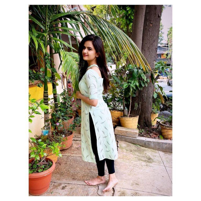 Siri Prahlad Wiki, Age, Biography, Movies, and Gorgeous Photos 123