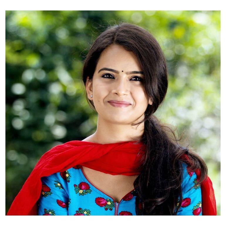 Siri Prahlad Wiki, Age, Biography, Movies, and Gorgeous Photos 128