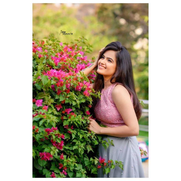 Siri Prahlad Wiki, Age, Biography, Movies, and Gorgeous Photos 110