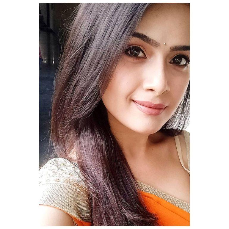 Siri Prahlad Wiki, Age, Biography, Movies, and Gorgeous Photos 113