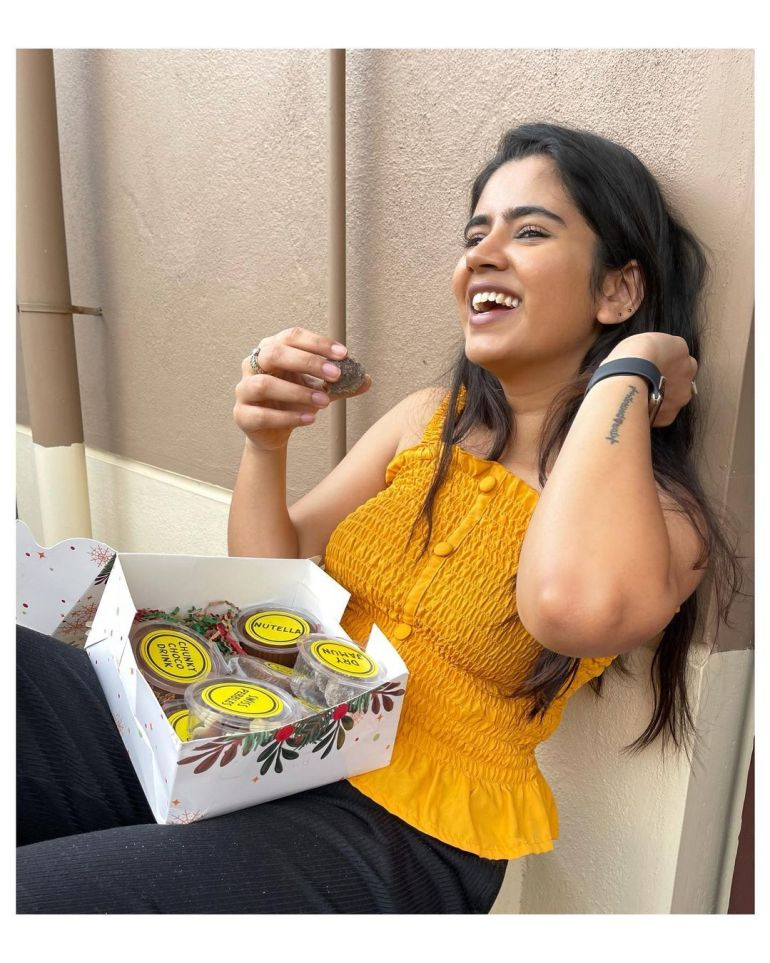 Soundariya Nanjundan Wiki, Age, Biography, Movies, and Beautiful Photos 120