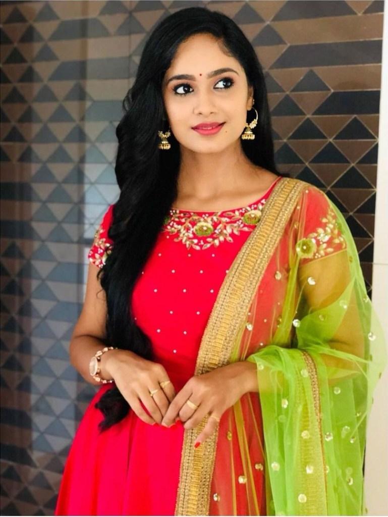 Tejaswini Gowda Wiki, Biography, Age, Boyfriend, Serial, and Beautiful Photos 118
