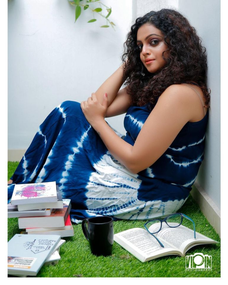 Aswathy Sreekanth Wiki, Age, Biography, Movies, Serial, and Beautiful Photos 121