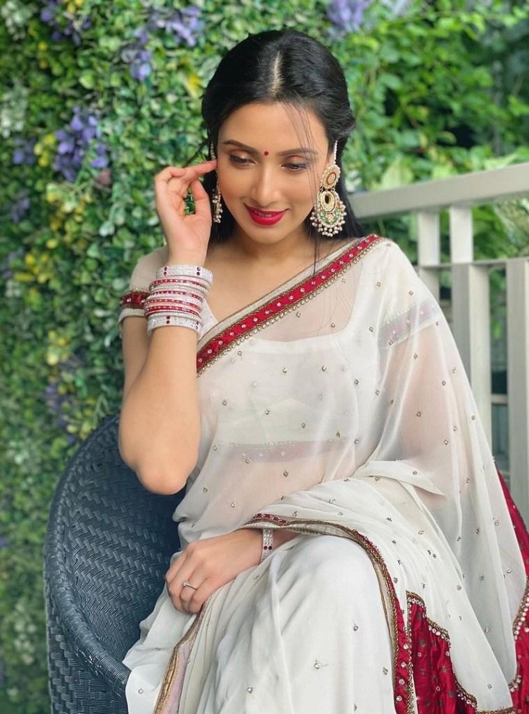 Bidya Sinha Saha Mim Gorgeous Photos, Wiki, Age, Biography, and Movies 108