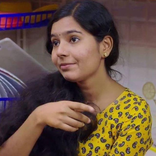 Lakshmi Unnikrishnan (Chakkapazham fame) Wiki, Age, Biography, Movies, and Beautiful Photos 108