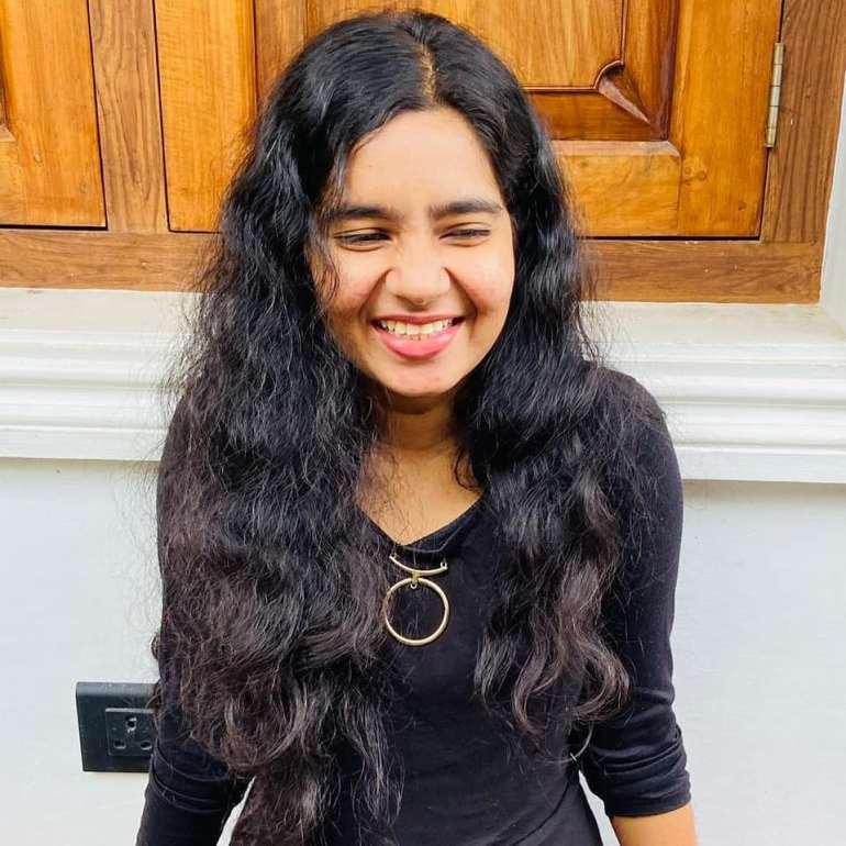 Lakshmi Unnikrishnan (Chakkapazham fame) Wiki, Age, Biography, Movies, and Beautiful Photos 120