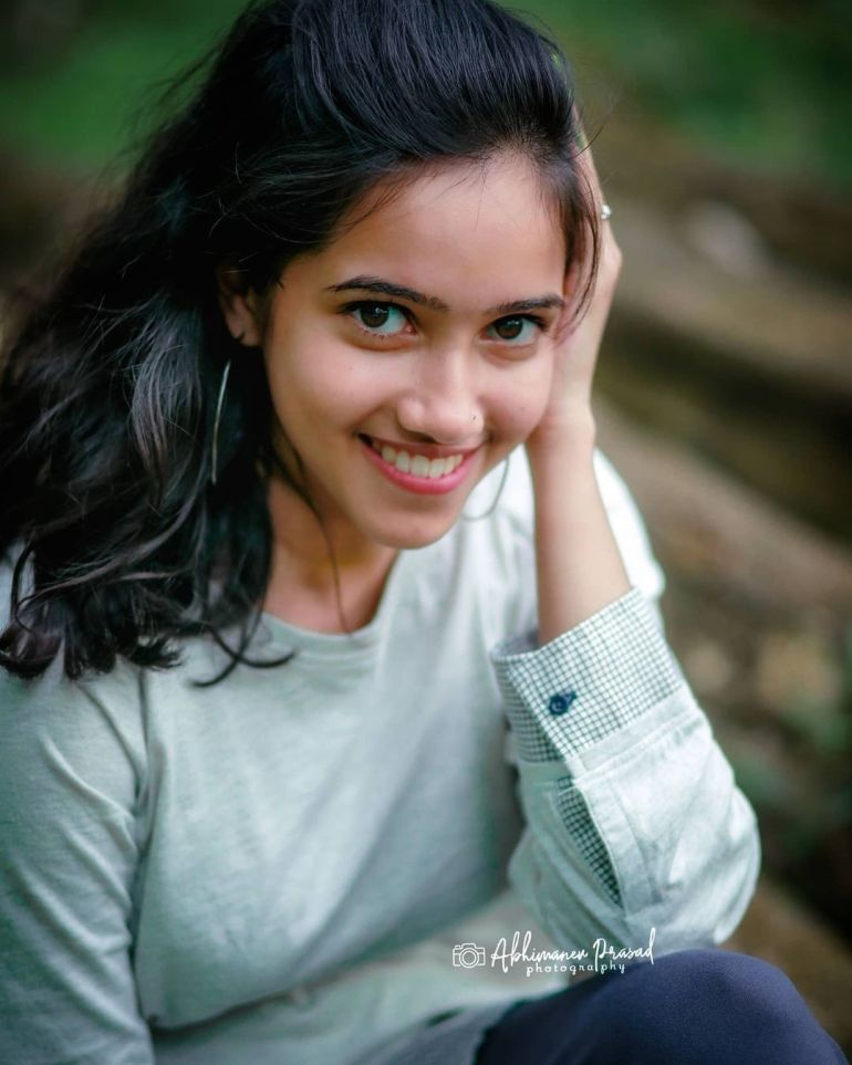 "Parvathy Das ""Thatmallucassy"" Wiki, Age, Biography, Web series, and Beautiful Photos 111"