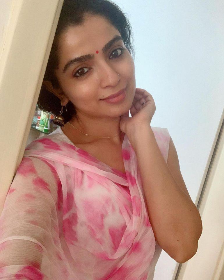 Ranjita Menon Bio, Age, Wiki, Height, Movies, and beautiful Photos 114
