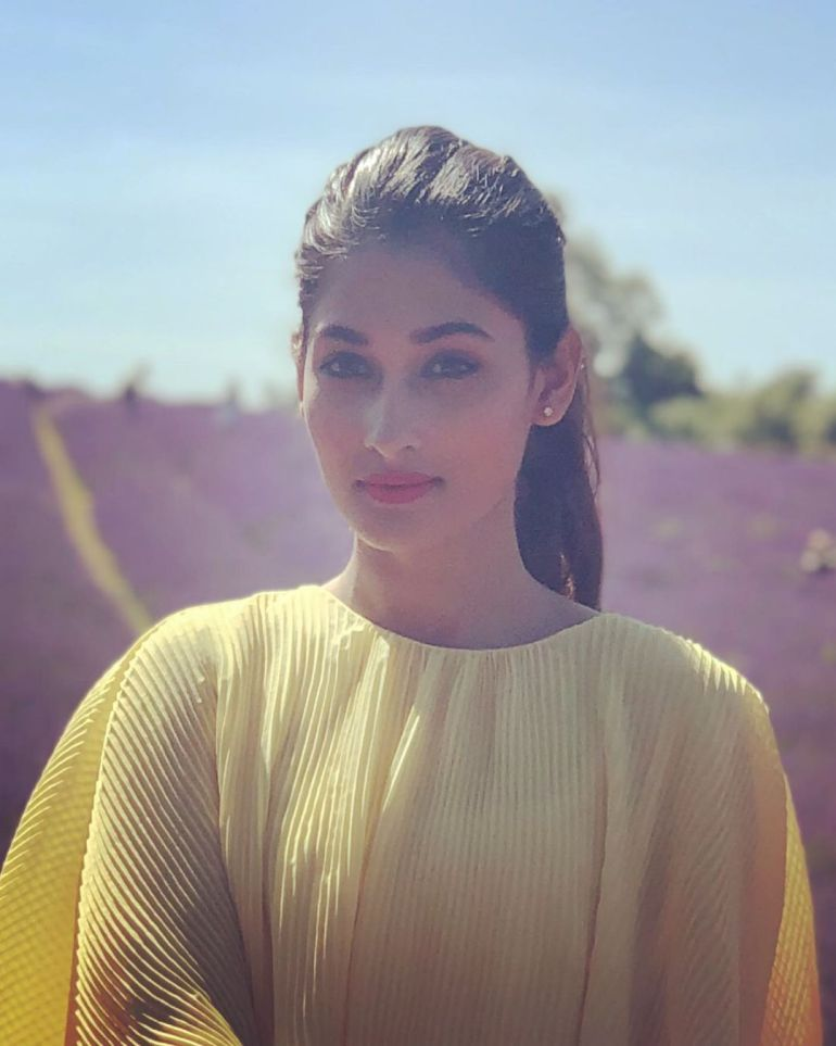 Umme Ahmed Shishir Gorgeous Photos, Wiki, Age, Biography, and Movies 108