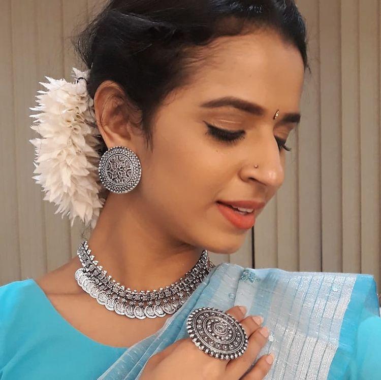 Meenakshi Raveendran Wiki, Age, Biography, Movies, and Beautiful Photos 118