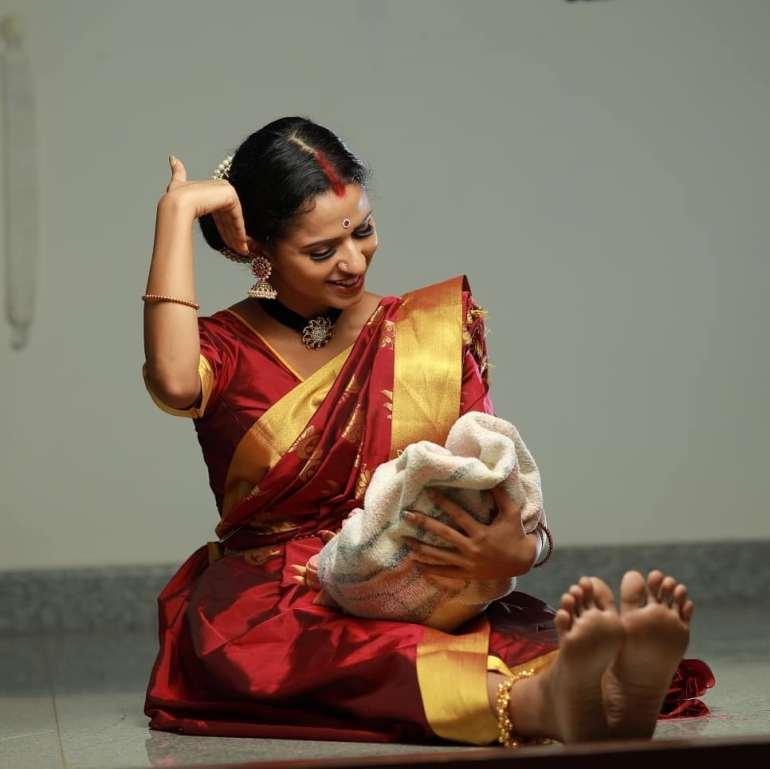 Meenakshi Raveendran Wiki, Age, Biography, Movies, and Beautiful Photos 105