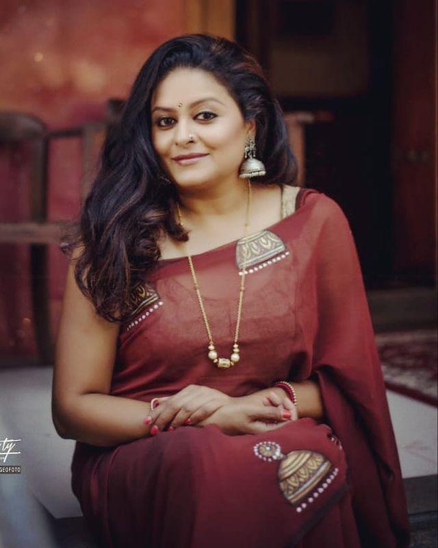 Sabitta George ( Chakkapazham Serial fame) Wiki, Age, Biography, Serial, Movies, and 27+ Beautiful Photos 111