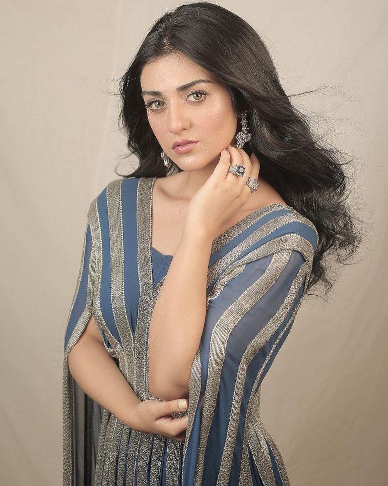 Sarah Khan (Pakistani Actress) Wiki, Age, Biography, Movies, and 21+ Gorgeous Photos 116