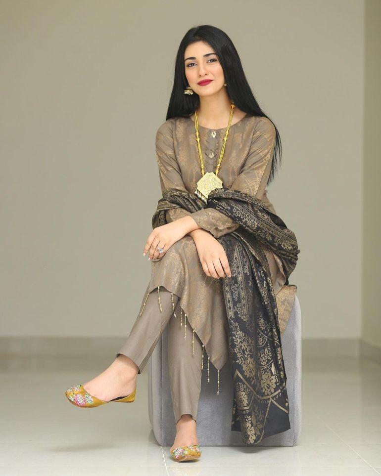 Sarah Khan (Pakistani Actress) Wiki, Age, Biography, Movies, and 21+ Gorgeous Photos 104