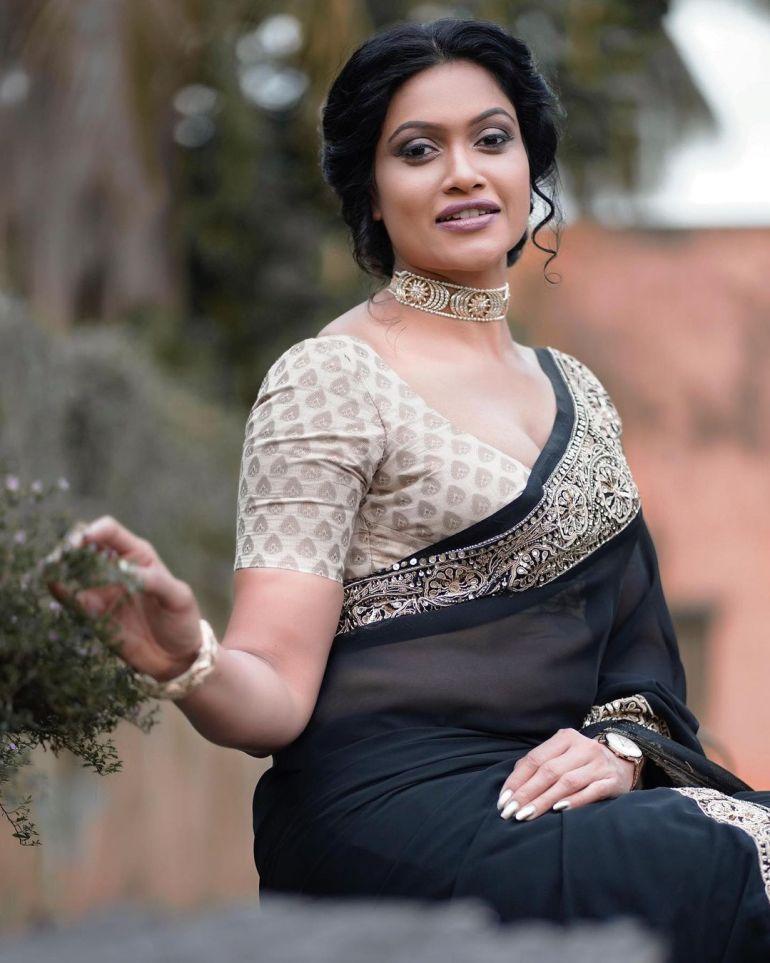 Chulakshi Ranathunga Wiki, Age, Biography, Movies, and 24+ Gorgeous Photos 117